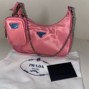 Prada Re-Edition 2005 crossbody bag